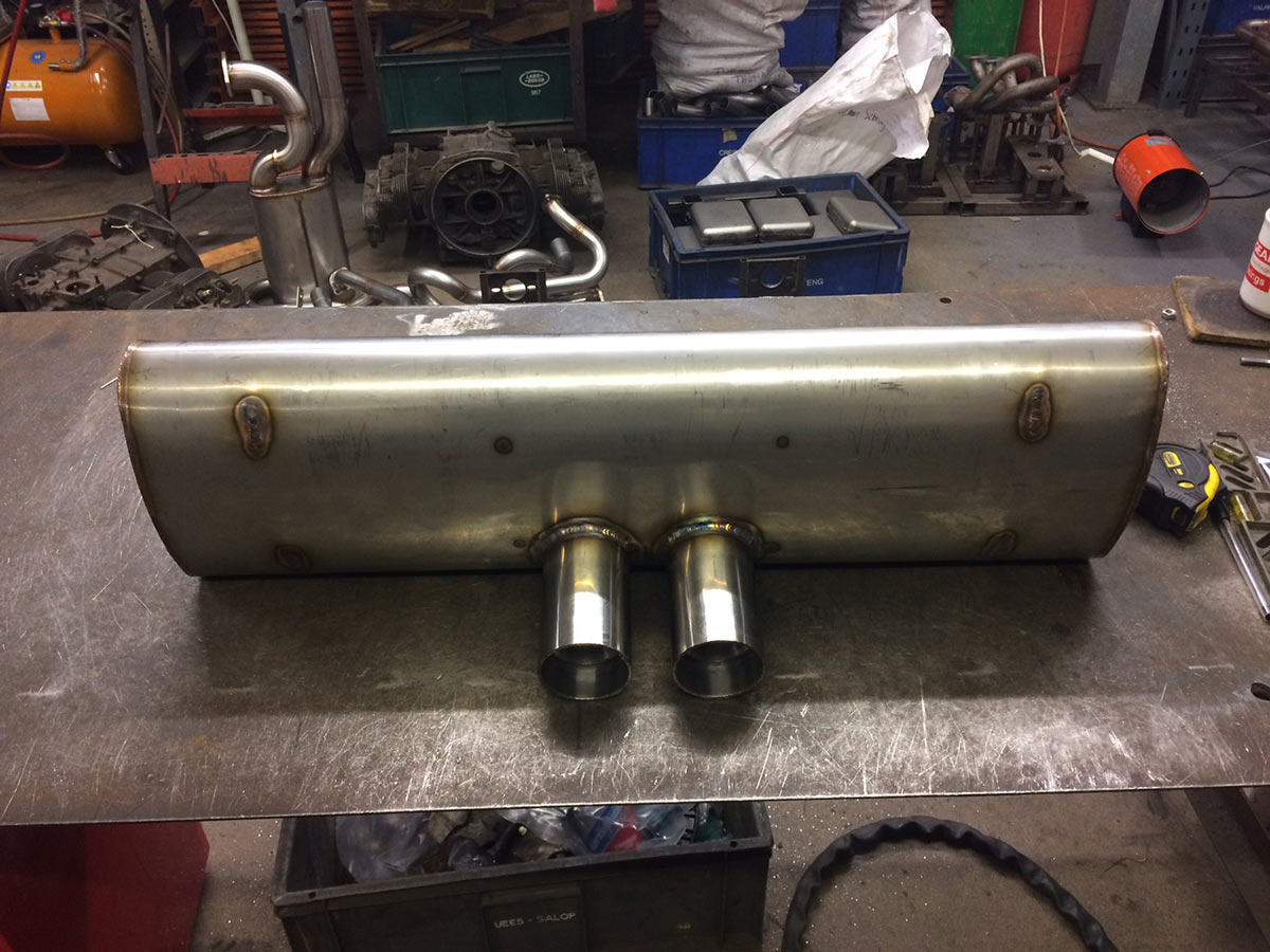 911 (74-89) 2 in 2 out muffler-gt3